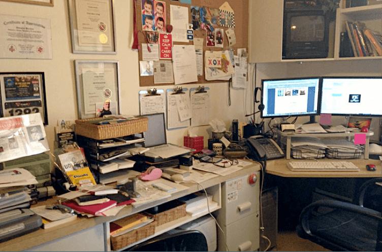 I Desk